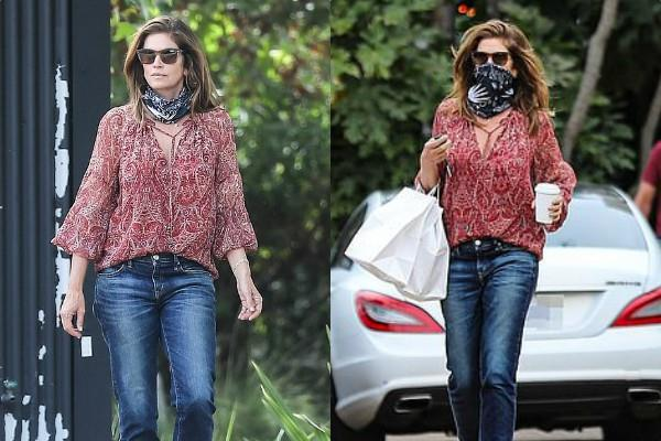 cindy crawford spotted outside the cafe