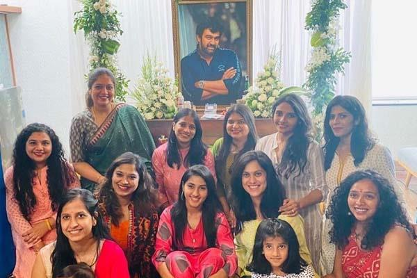 chiranjeevi sarja wife meghana raj share pictures of late actor prayer meet