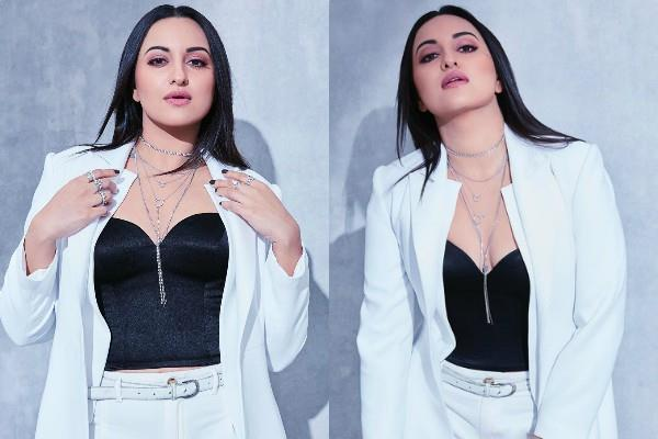 sonakshi sinha starts campaign with mumbai police against cyberbullying