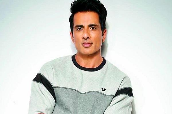 sonu sood will financially help of 400 migrant families