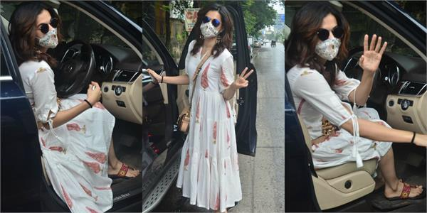 taapsee pannu spotted outside the salon pics viral