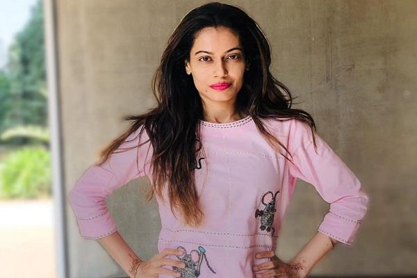 payal rohatgi twitter account was suspended suddenly actress blamed salman khan