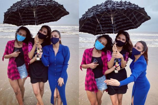 shraddha arya beach fun with her girl gang after 4 months
