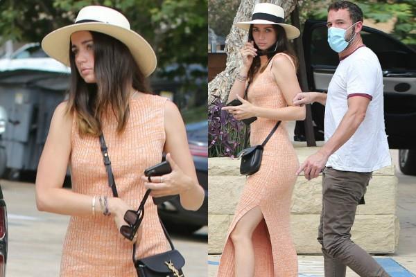 बॉयफ्रेंड बेन संग लॉस एंजिल्स की सड़कों पर स्पॉट हुईं Ana De Armas, साइड कट ड्रेस में दिखा कूल अंदाज