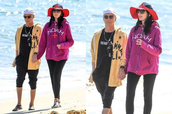 liberty ross and husband jimmy iovine spotted on the beach