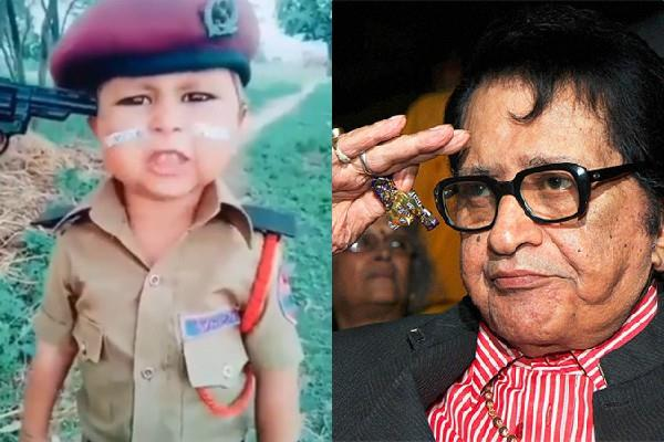 manoj kumar impressed by video of the patriotism of young child