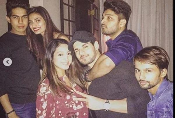 sooraj pancholi picture viral with disha salian now actor reveal photo truth