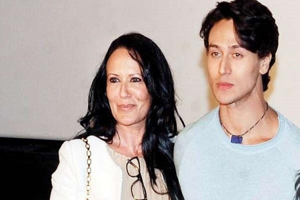 tiger shroff mother ayesha shroff shared post for trollers