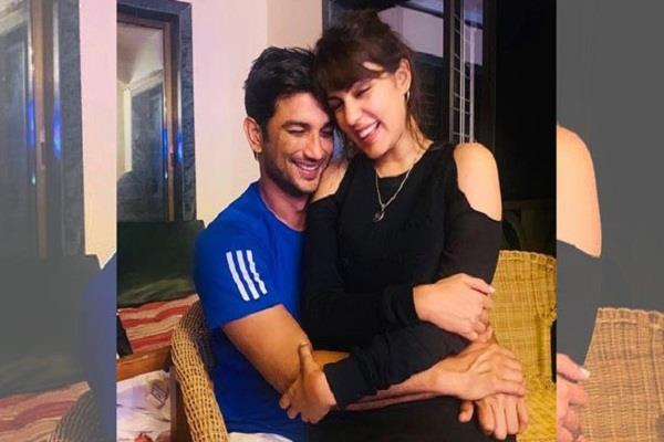 sushant s friend revealed rhea father used to bring medicines for actor