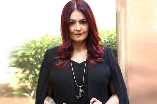 pooja bhatt raises voice against instagram guidelines