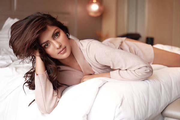 rhea chakraborty reaches her apartment and ed send summon to actress