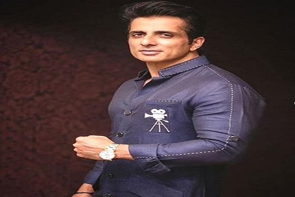 the child asked sonu sood to play a video game the actor gave knowlegde to him