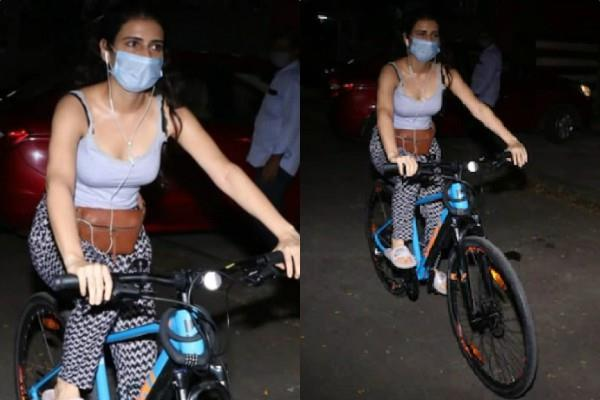 fatima sana shaikh looked cycling on the streets of bandra
