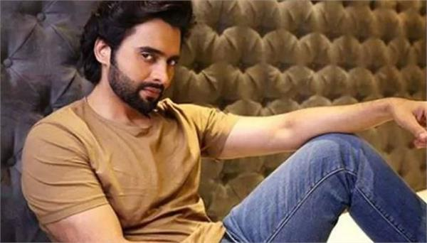 jackie bhagnani extends helping hand to kovid quarantine center
