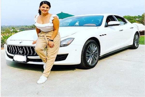 sunny leone brought a new maserati car like sushant singh rajput