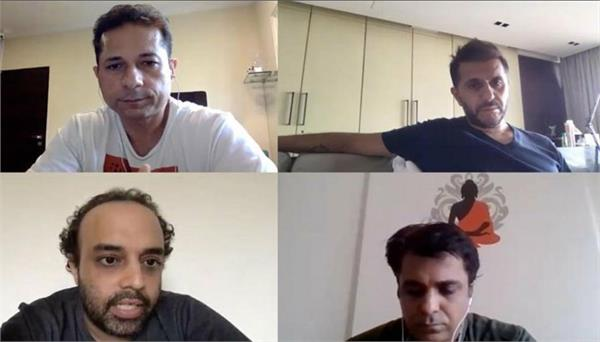 ritesh sidhwani shares glimpse of narration time with team fukrey 3