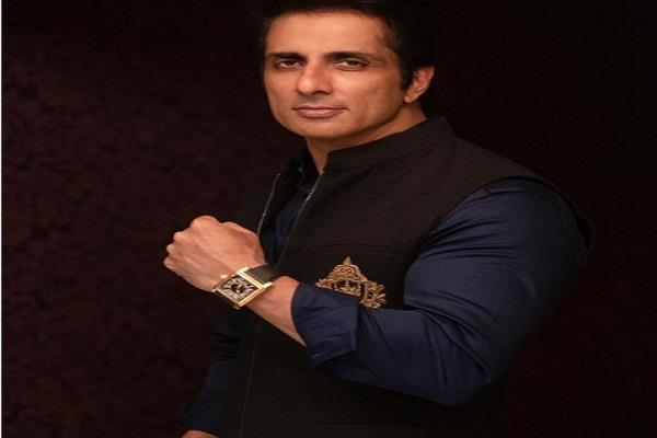 sonu sood helps 20 year old boy who lost his leg in an accident
