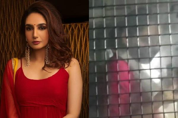 ragini dwivedi judicial custody extend in sandalwood drug case