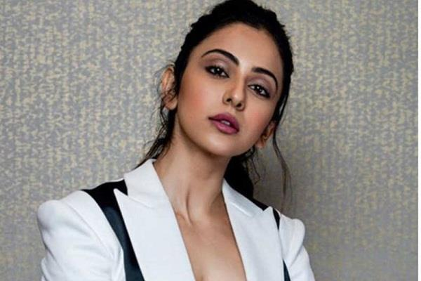 rakul preet singh reaches delhi high court after name in drugs case