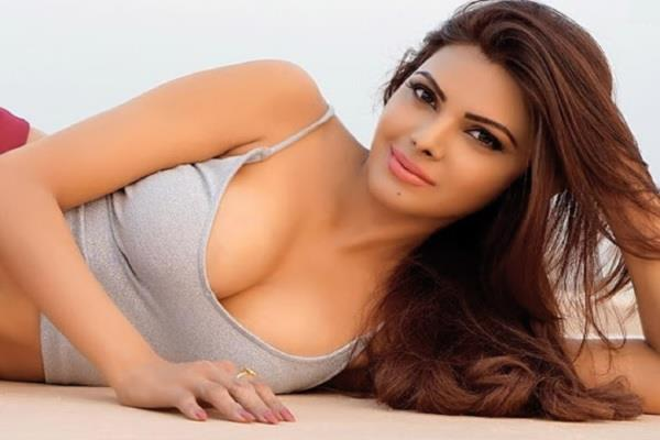 sherlyn chopra share a post on bollywood drug parties