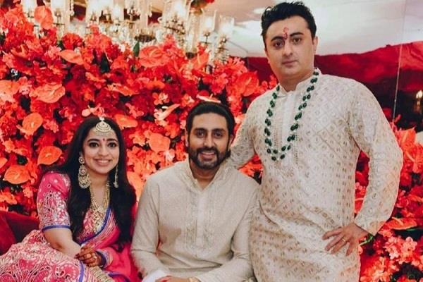 abhishek bachchan attend jp dutta daugther engagement after corona recovery