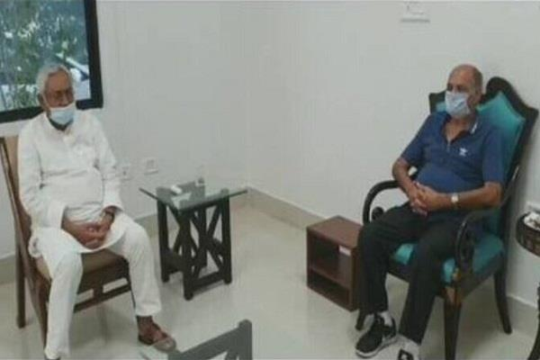 sushant singh father arrived to meet cm nitish kumar