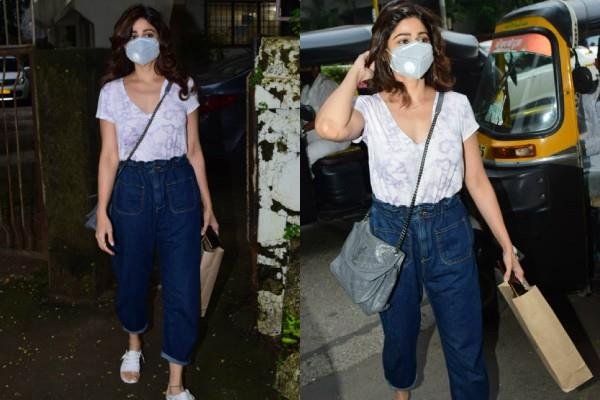 shamita shetty spotted at juhu and looked gorgeous