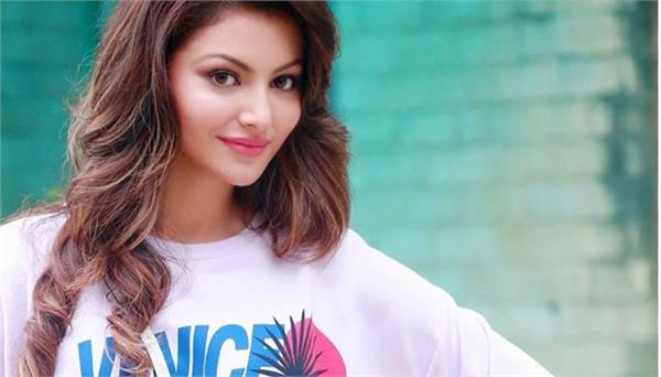 urvashi rautela started thiruttu pele 2 hindi dubbing