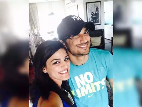 sushant sister shweta share a picture and ask what happened to her brother