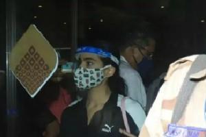 sara ali khan reached mumbai from goa after ncb summons