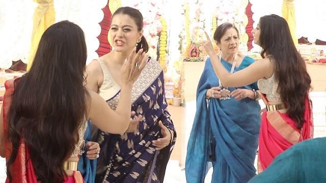 kajol and sister tanisha mukherjee fight at durga puja 2021