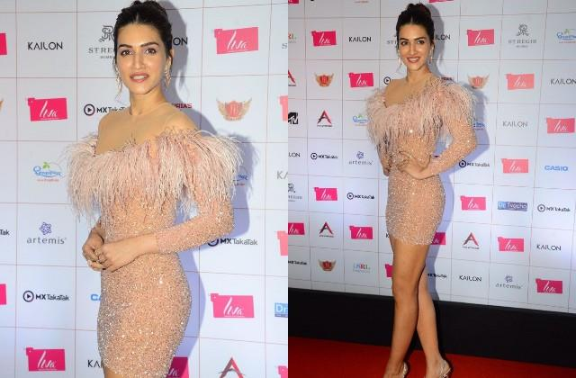 kriti sanon stole limelight with her bold look