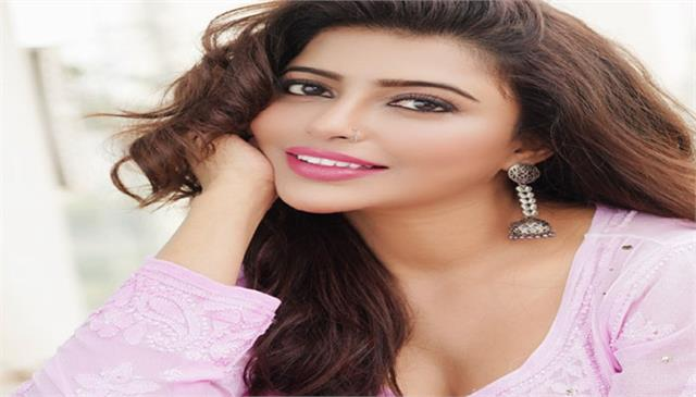 ayaana khan debut with music single promise featuring actor zain imam