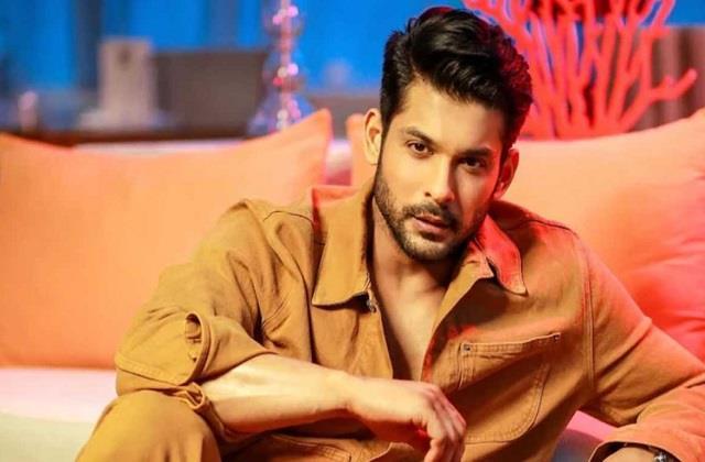 sidharth shukla wins best actor for broken but beautiful 3