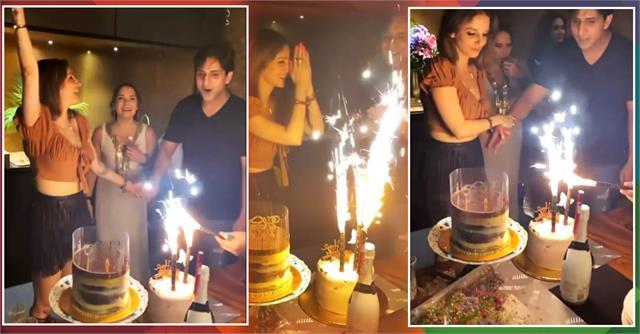 hrithik ex wife sussanne khan celebrates birthday with arslan goni
