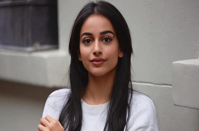 actress banita sandhu test positive for coronavirus