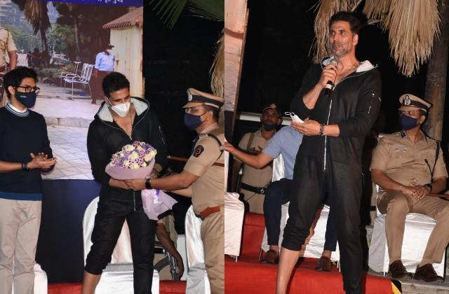 akshay kumar arrived at the inauguration ceremony of electric scooters