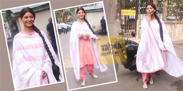 is urvashi rautela get married in these viral pictures actress put sandoor