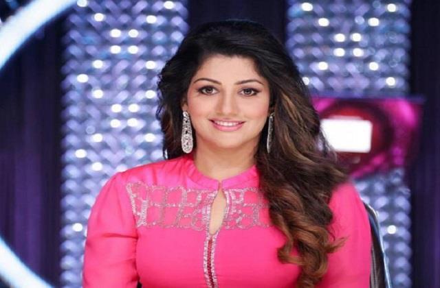 actress radhika kumaraswamy accused of cheating rs 75 lakh