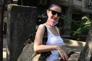 amisha patel spotted in juhu