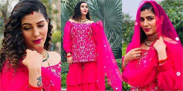 sapna choudhary share her beautiful photos in pink dress