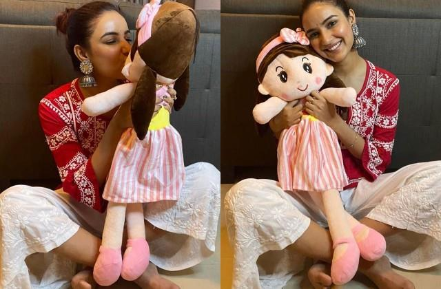 jasmin bhasin shares photos with her doll
