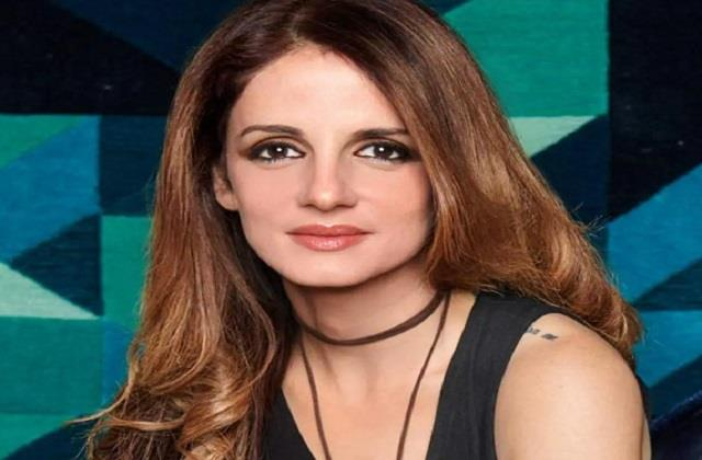 sussanne khan welcomes new puppy in her home