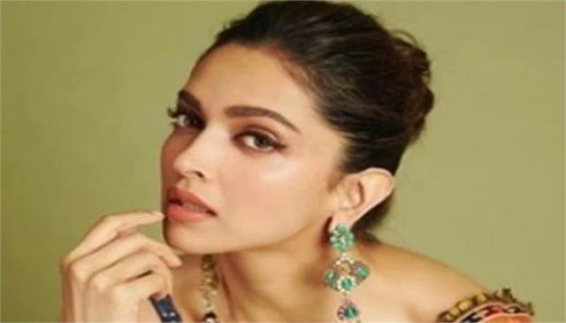 deepika padukone again tops the list of most popular stars india loves