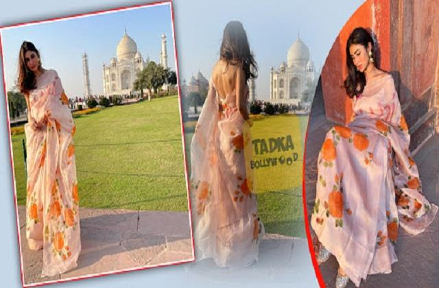 mouni roy photoshot front of tajmahal