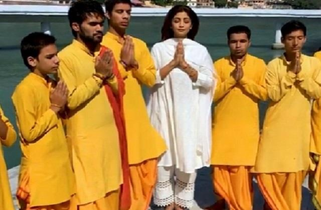 shilpa shetty shares throwback mahamrityunjay jaap video from haridwar