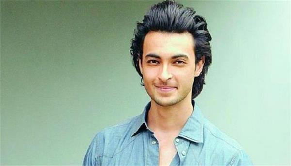 aayush sharma share his fierce look as gangster in antim thef inal truth