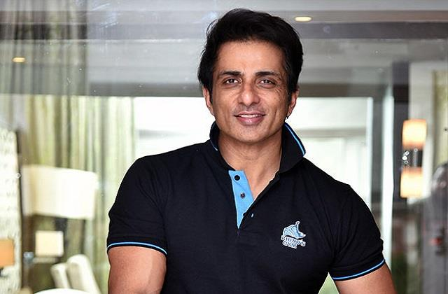 sonu sood installed hand pumps for the people of the village