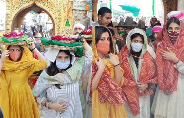ekta kapoor ridhi monica visit khwaja garib nawaz dargah to seek blessings
