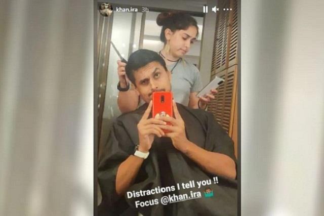 aamir khan daughter ira khan cuts boyfriend nupur shikhare hairs